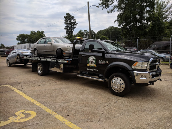 Need a tow truck? Call Roscoe's Towing Service in Richmond, Virginia